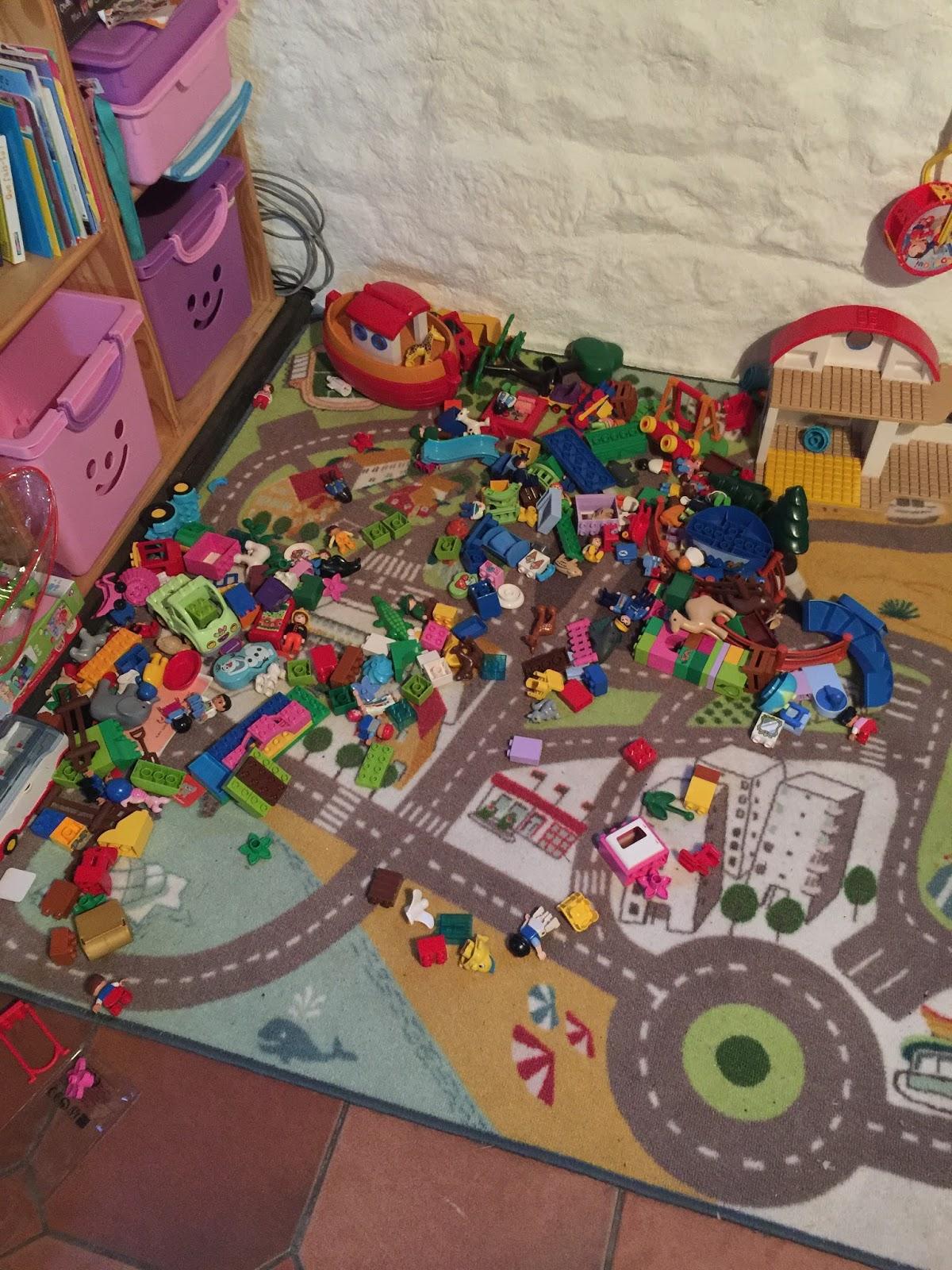 tapis de jeu nomade tapis sac tapis de jeu un tapis de jeu pour ma nounou en sac tac tapis de. Black Bedroom Furniture Sets. Home Design Ideas