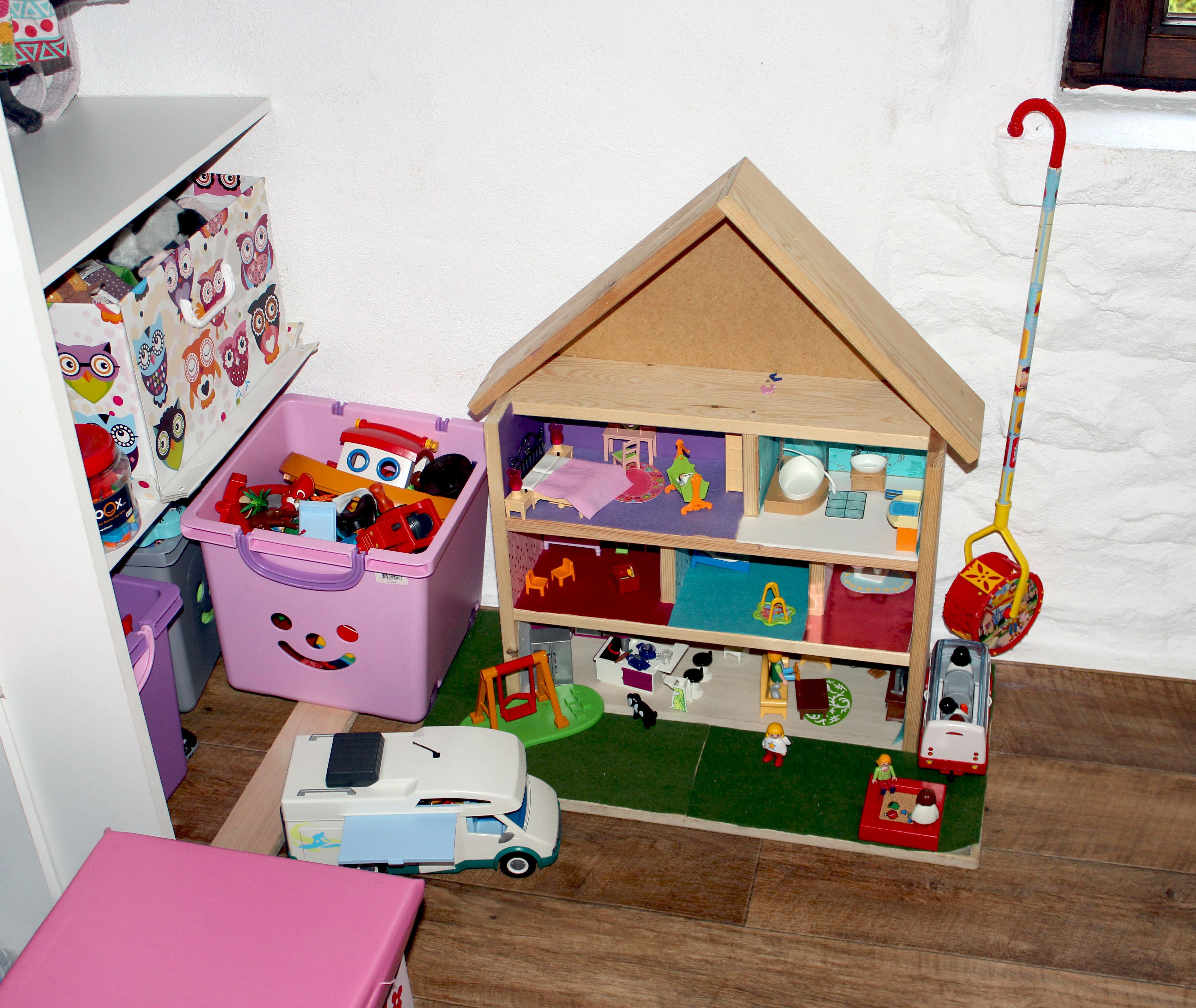 maison-bois-playmobil-ikea
