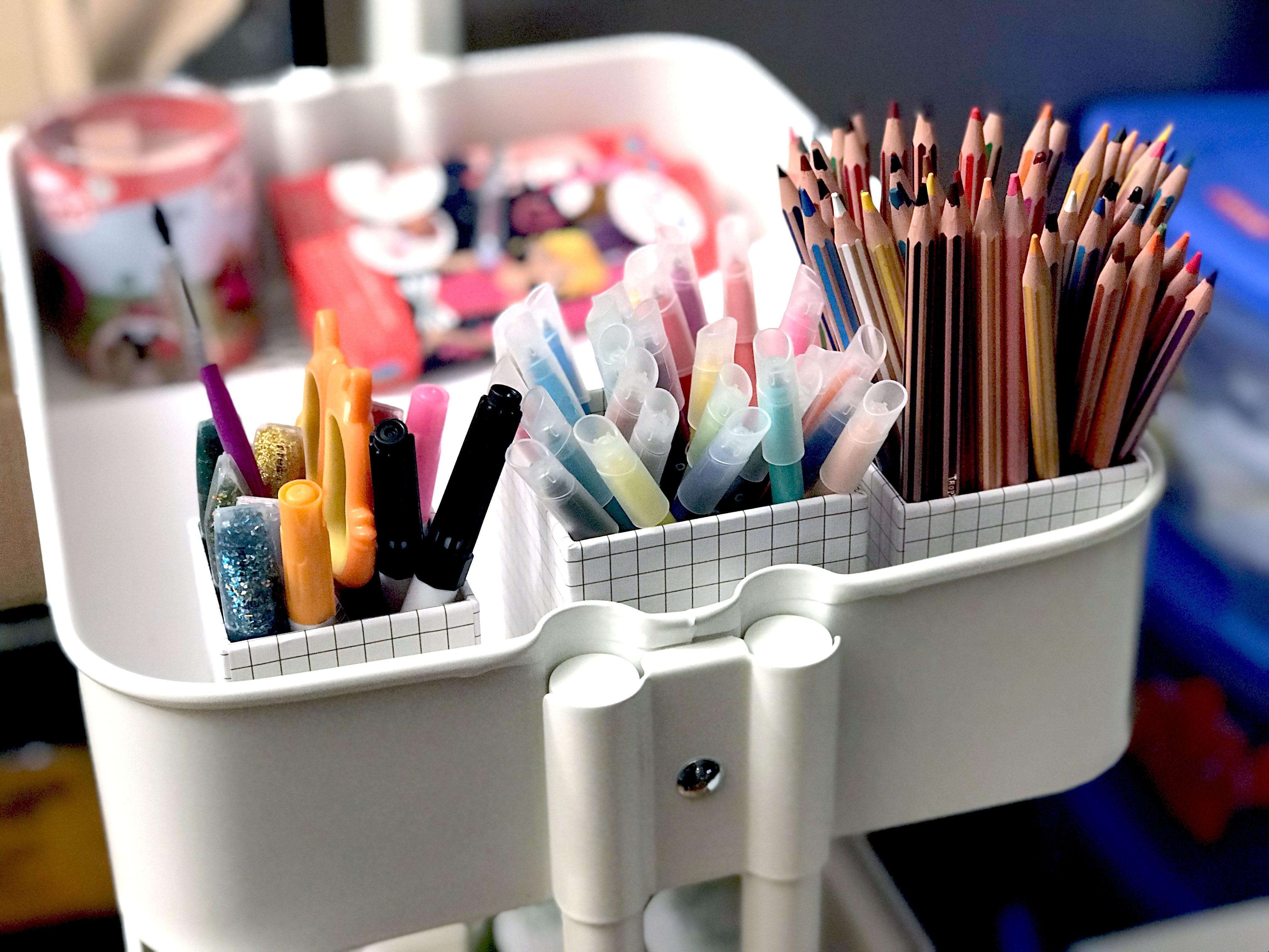 pots-crayons-enfant